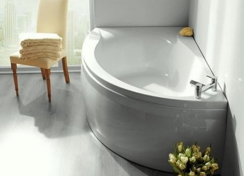 Corner bath with mixer tap