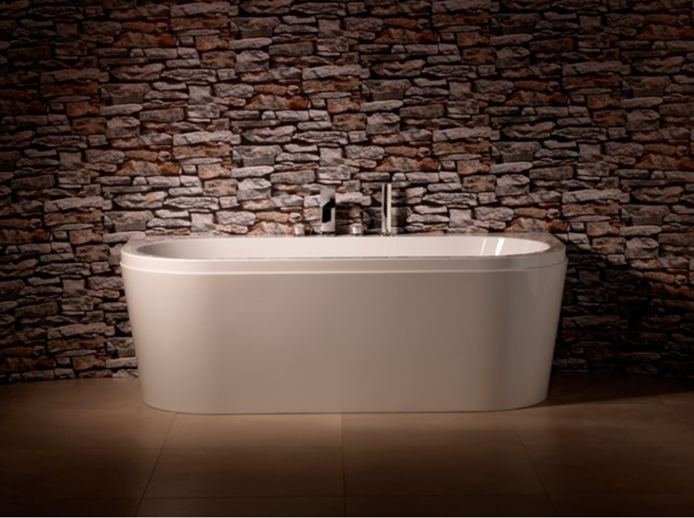 White D shaped bath with central taps